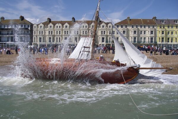 Service to a grounded yacht by Eastbourne lifeboat
