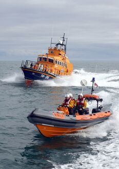 weather lifeboats/bangor atlantic 21 ilb b 584 youth ulster alongside