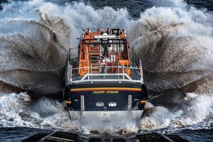 weather lifeboats/cromer tamar class lifeboat lester 16 07 launching