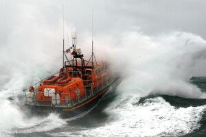 weather lifeboats/poole tyne class lifeboat city sheffield 47 023