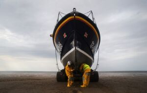 Recovery of the Hoylake Mersey class lifeboat Lady of Hilbre